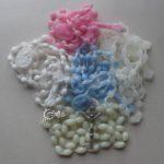 Rosenkränze mit Plastikperlen